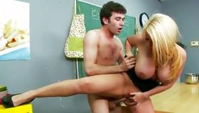 Blonde hooker got her poked in the classroom